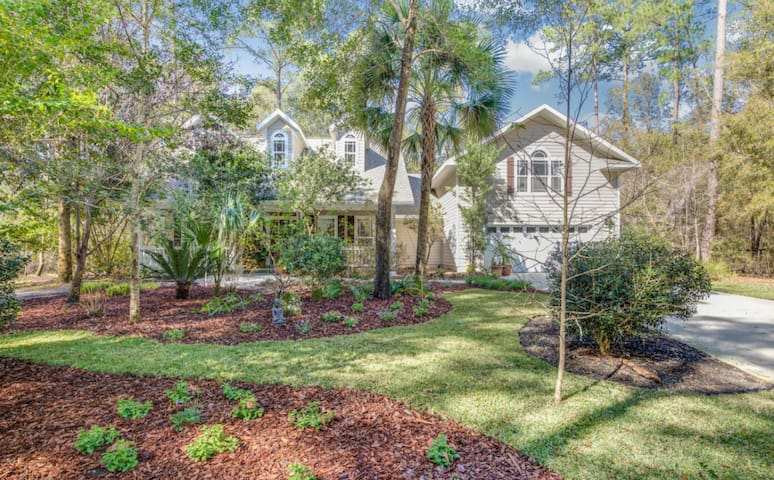 Beautiful Modern home in quiet green community - Gainesville - Huis