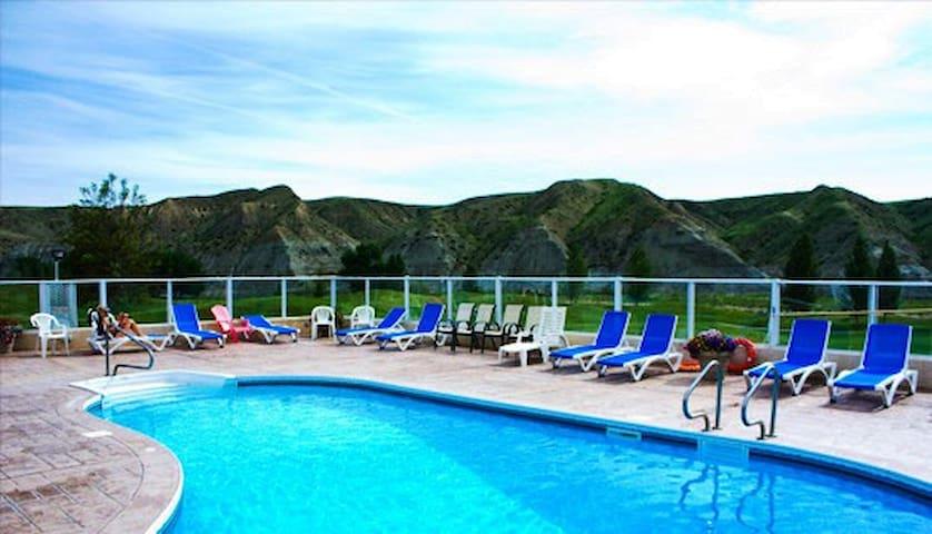 Vacation Condos at Paradise Canyon Golf Resort!!