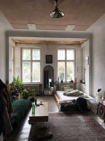 Room in flat next to canal, wildenbruhcplatz nk