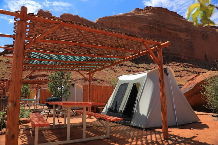 Ultimate Monument Valley Campout and Safari