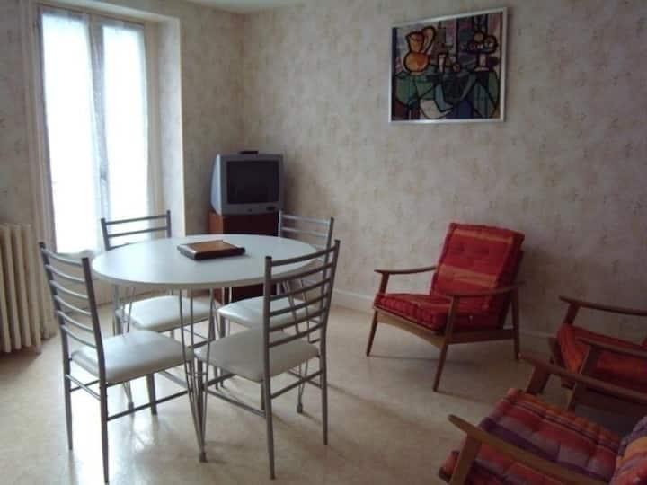 Appartement T3 / 4 couchages / Centre Ville Cauterets - FR-1-234-132
