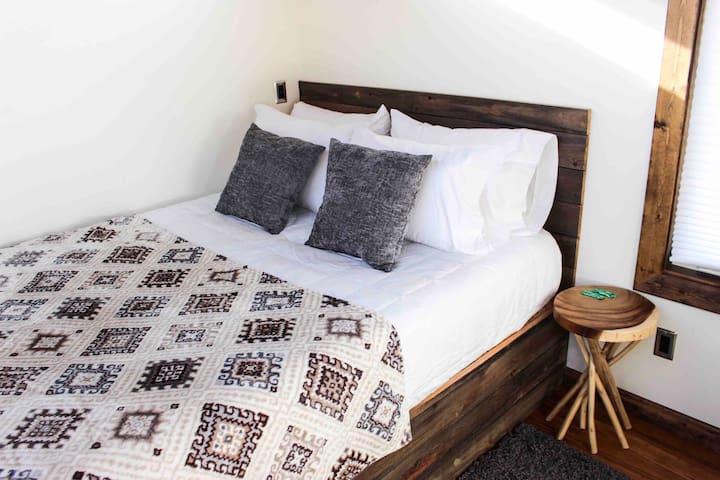 Queen memory foam bed.