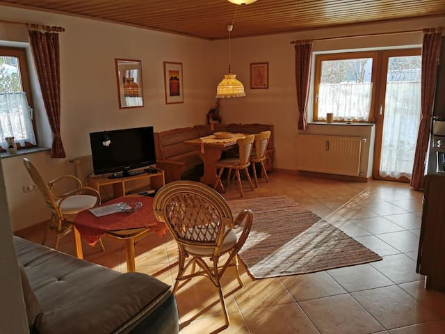Haus Haidweg Wohnung 1 - 2 Zimmer, ca. 50 m² für 2-4 Personen im Erdgeschoss mit Terrasse und direktem Zugang zum Garten