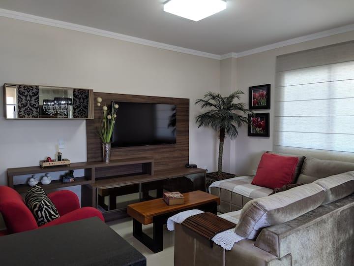 APTO SOB MEDIDA (AR+WIFI+TVs+2v GARAGEM)Meia Praia