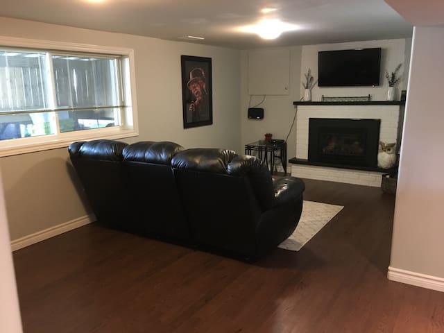 Spacious 1-Bedroom Apartment