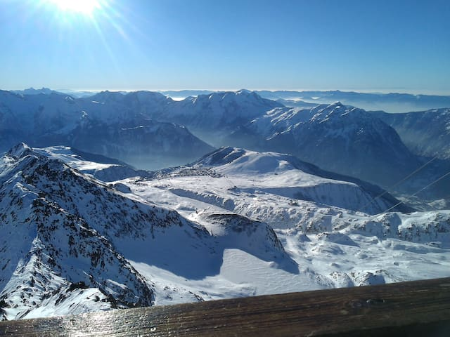 Ski Apartment in Alpe Duez with views of the alps. - Huez - Apartment