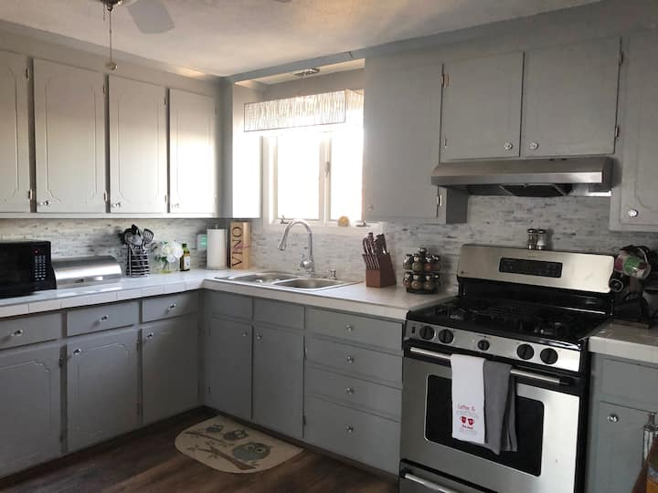 Bright Room in the Heart of Providence (Entire Pl)
