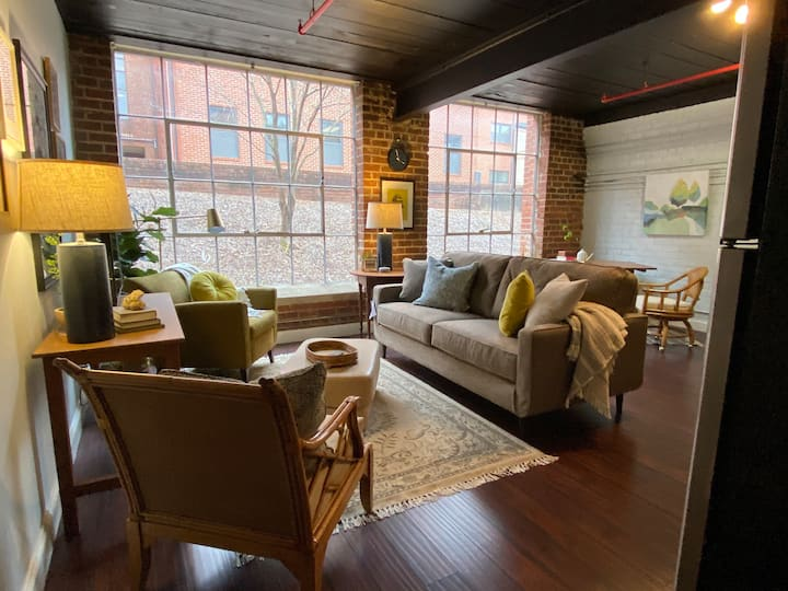Modern Furnished Loft - 6 mo minimum
