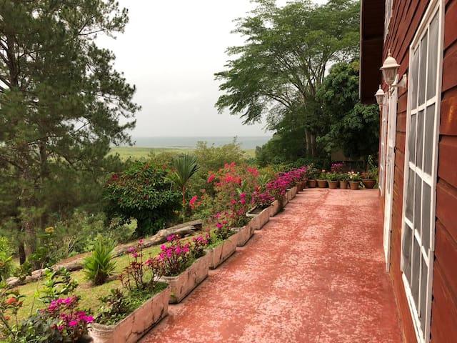 La Joya Lake view house.