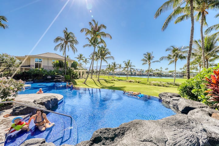 Amazing golf-course front condo w/lanai, AC & shared pool/hot tub