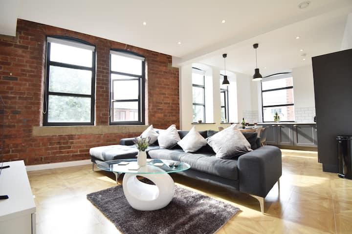 Brooklyn-Styled Luxury Inner-City Hideaway
