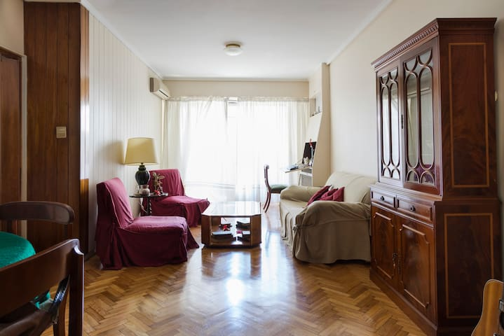 Cozy Room with Private Bathroom in Recoleta
