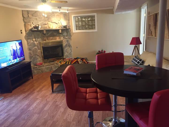 Charming apartment, minutes to DC private entrance