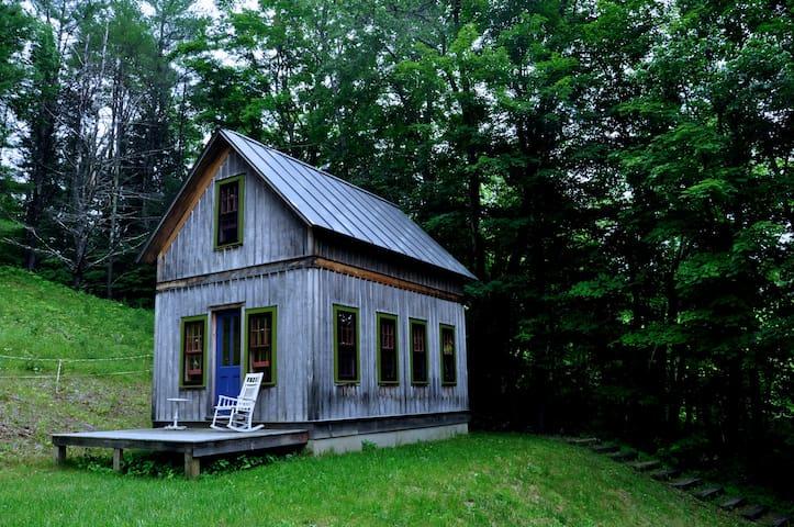 Poet's Cabin - Tunbridge - Talo