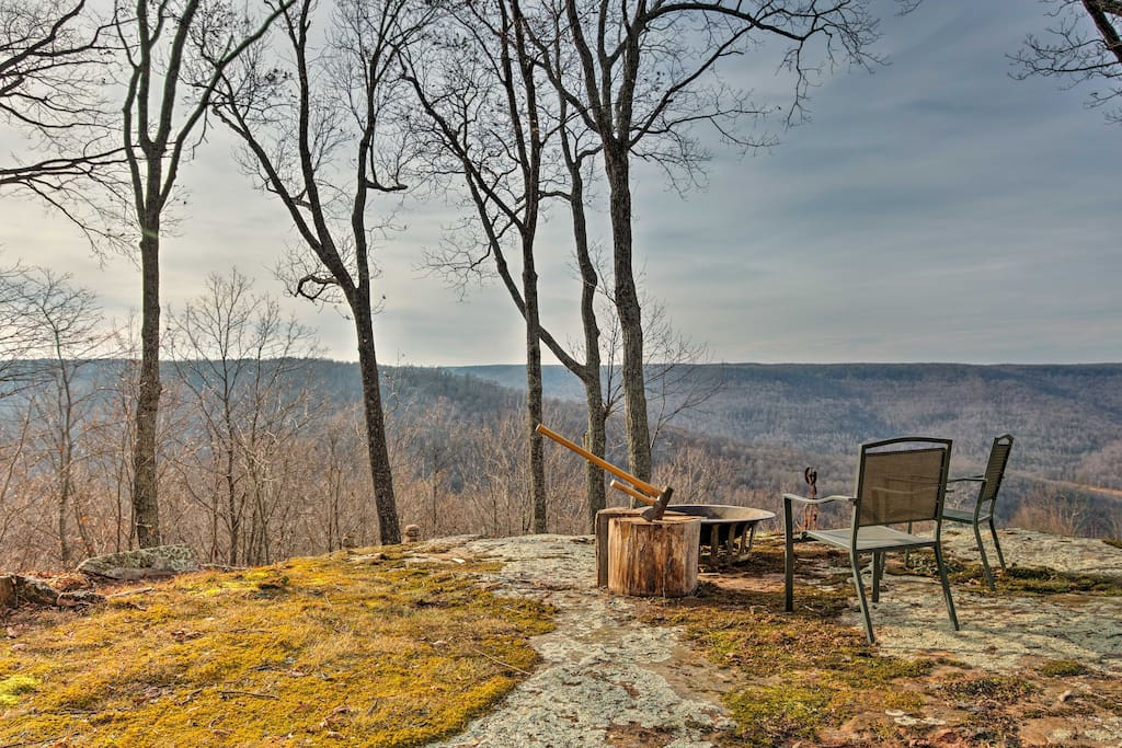 Overlooking the Cumberland Mountains, this home offers views for up to 8 guests.