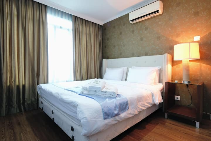 Best location 2BR flat in Pondok Indah, FREE WIFI