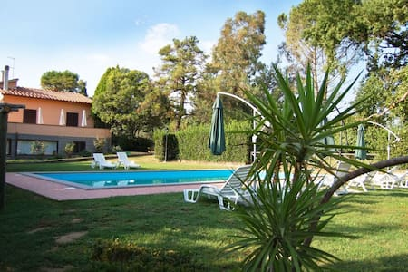 Casa Grion, sleeps 10 guests in Corchiano - Corchiano - วิลล่า