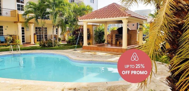 1BR 6 miles to Beaches & Airport w/ Parking & WiFi