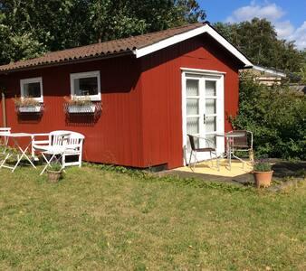 Charmerende og fuldt udstyret anneks - Frederiksværk - Ev