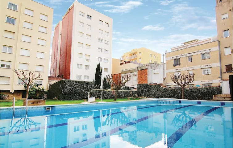 Holiday apartment with 4 bedrooms on 109m² in Pineda de Mar