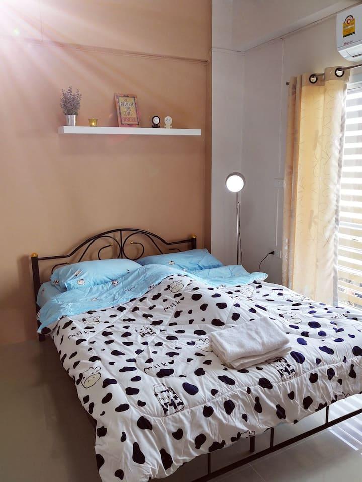 T.M. Home, Hatyai 5 mins to downtown, Cozy room 3F