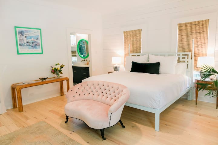 ROOM 1/Farm House- The Frenchie Boutique Hotel
