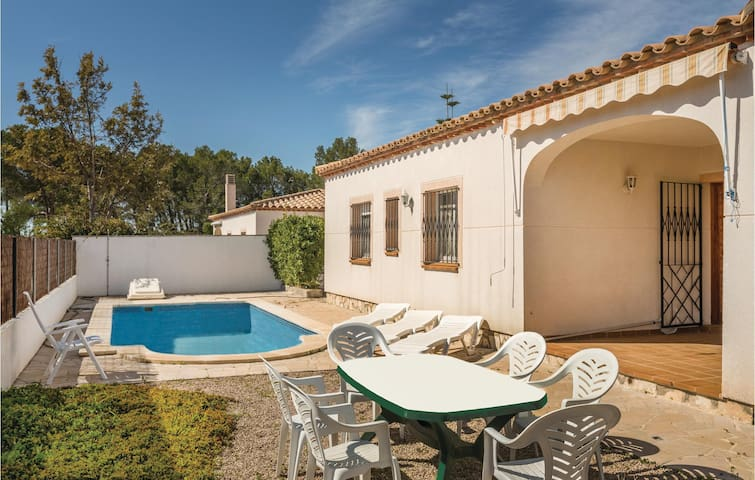 Holiday cottage with 3 bedrooms on 75m² in L'Ametlla de Mar