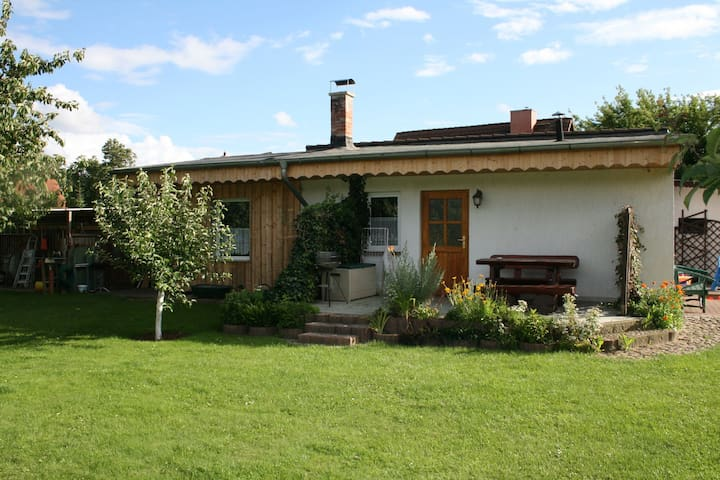 Large, comfortable three-room holiday home in a quiet location