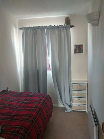 Single Room 6 min far to station + free Parking