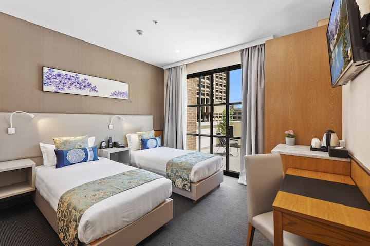 Signature Twin Room with Balcony
