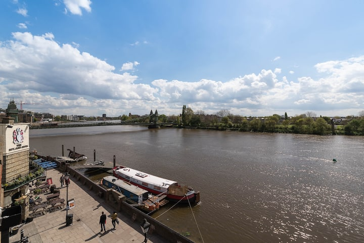 River View, Zone 2 Hammersmith, 2 Bedroom / 2 Bath