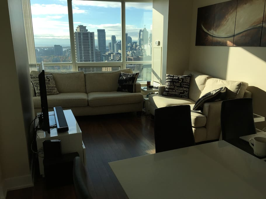 Common living space with an amazing view of the city