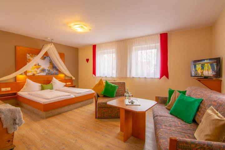 Gasthaus & Hotel Drei Lilien (Werbach), Gästezimmer XL - Einzelzimmer   im Lieblichen Taubertal
