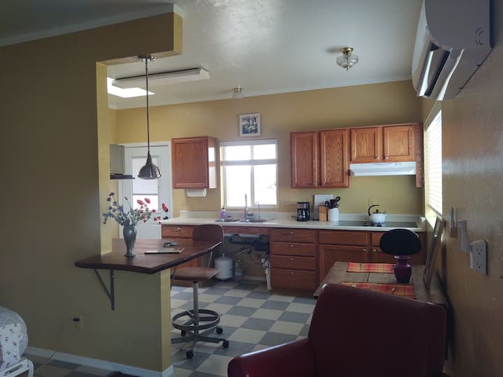 Tubac area studio with new fixtures, clean & fresh