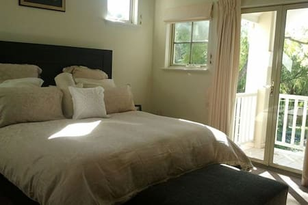 Bed and Breakfast - Mount Pleasant - House