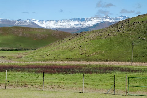 Ukhahlamba Guesthouse, best views in Underberg!