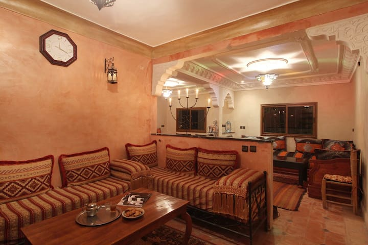 Dar Adrar - Family Room