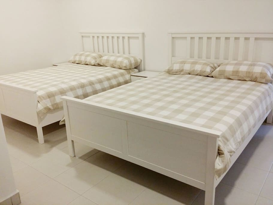 2 Double Bed