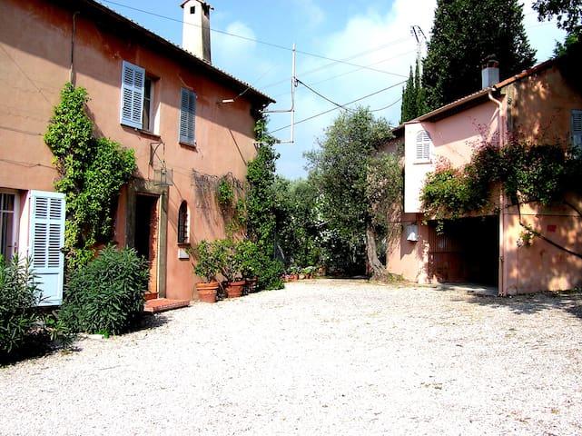 La Mesangere Villa and Lodge
