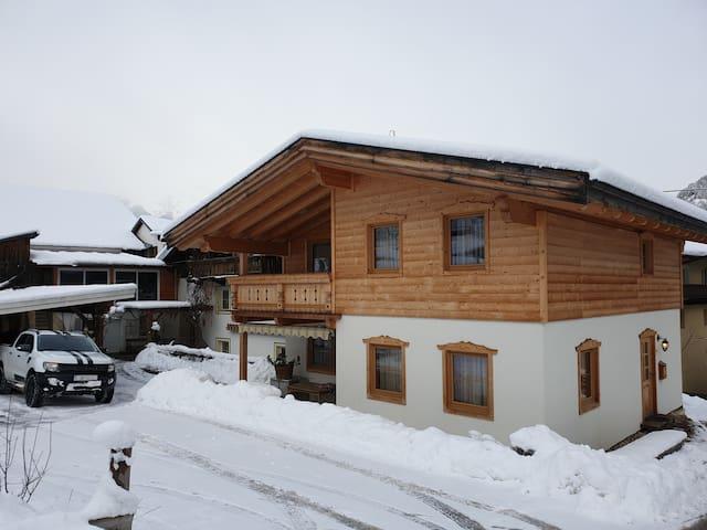 Chalet Oetztal  (Holzhaus)