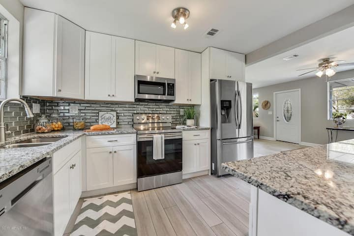 4/3 renovated beauty in Goodby's creek