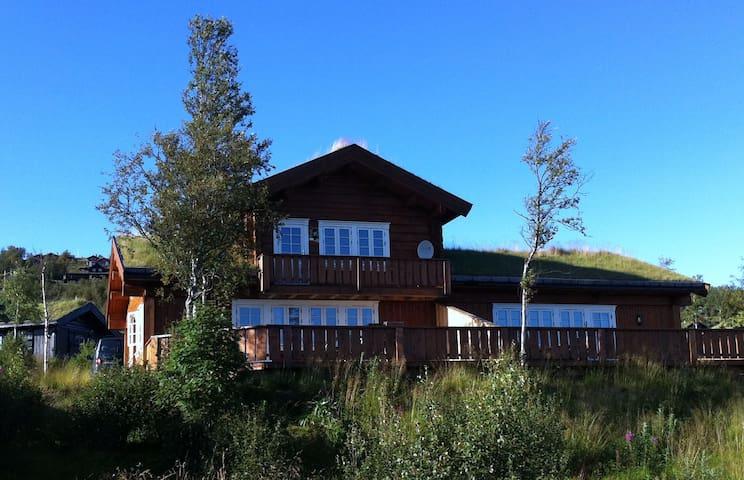 Doppelhüttenhälfte, Panoramablick, zentral, ruhig