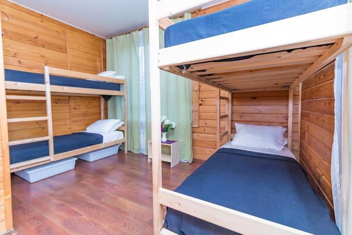 Hostel EXPO (общий номер на 4 человека-4)