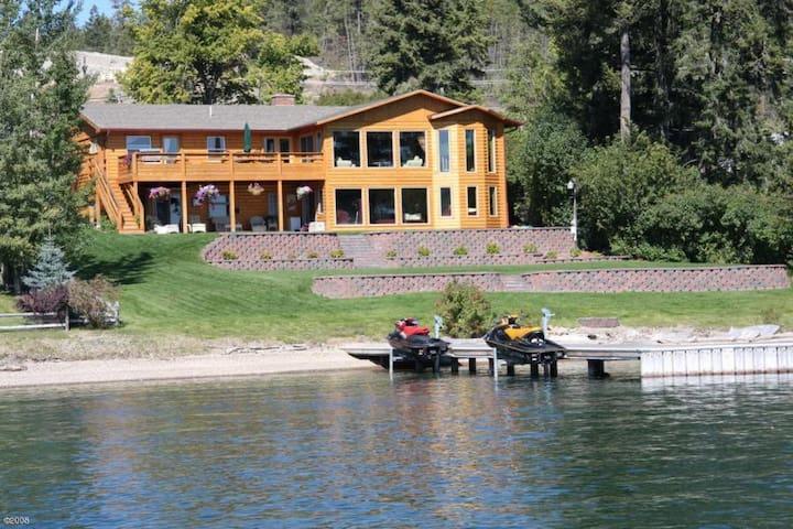 Flathead LakeFront Lodge