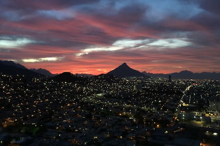 New Place/Best View/2KingSize Bed - Monterrey - Apartamento
