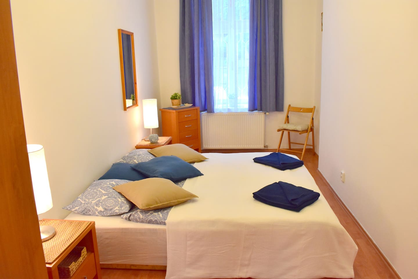 WELCOME TO OUR BLUE & BEIGE BUBENEC APARTMENT :)