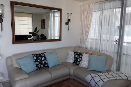 Luxury apartment, harbour views, right in the CBD.