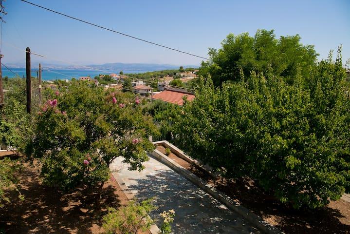 Υπέροχη εξοχική κατοικία με θέα θάλασσα