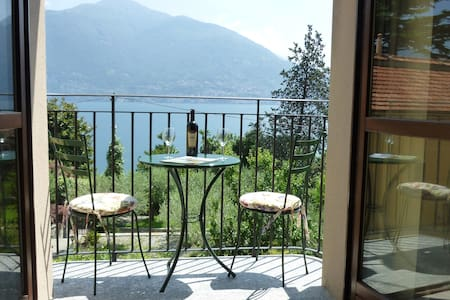 Amazing Como View Apartment for 4 - San Siro (CO)
