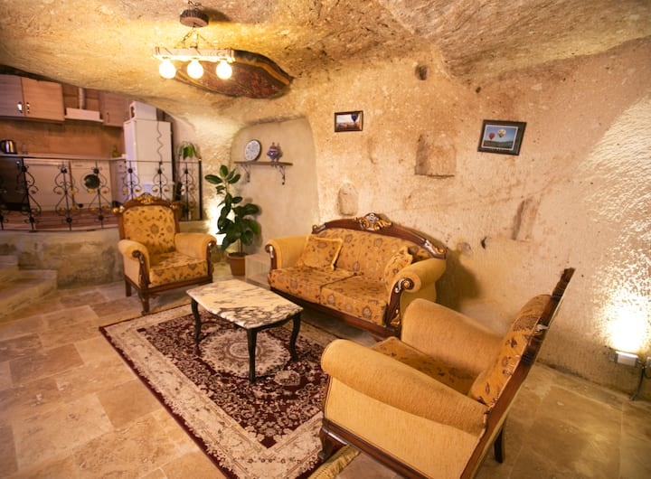 KAMELYA CAVE SUITE with Kitchen (2-5 persons)